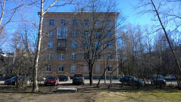 """""""Сталинский"""" дом. Фронтальный вид."""